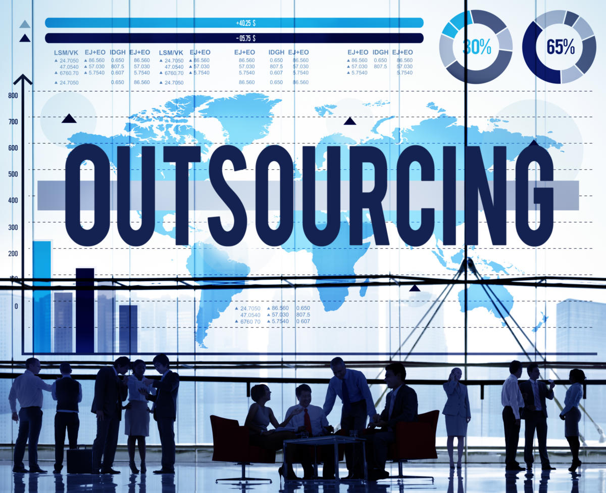 Read more about the article Planning to outsource an IT support provider to help your business?? Consider these crucial factors